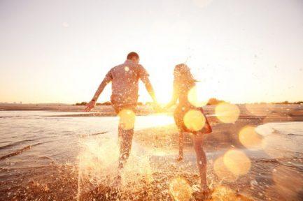 depositphotos_23160614-stock-photo-couple-running-on-the-beach